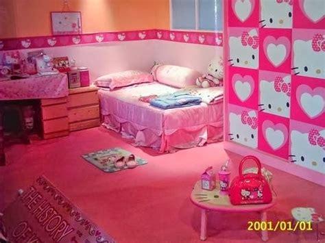 kamar tidur wanita remaja  dewasa bertema  kitty
