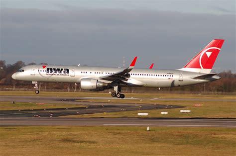 file northwest airlines boeing 757 251 n546us dus 13 01 2008 492fo 4867084523 jpg wikimedia
