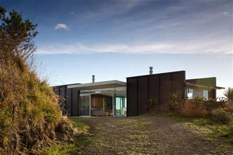 new zealand beach house designs the modern minimalist pekapeka beach house design in new zealand by parsonson