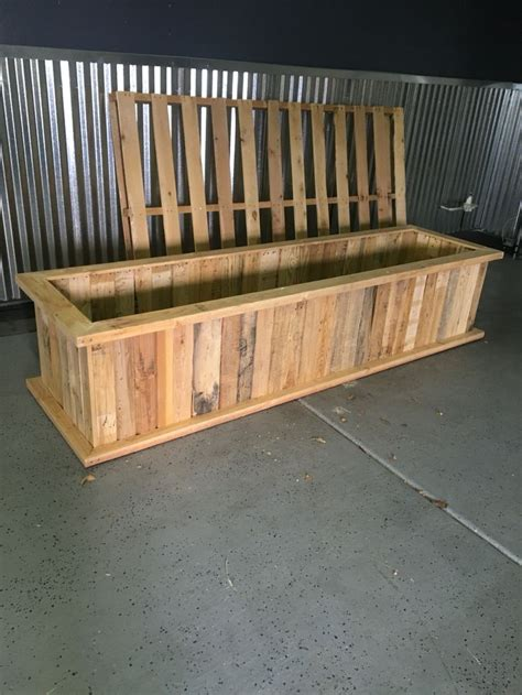 Plastic Raised Planter Boxes by Best 25 Pallet Planter Box Ideas On Pallet