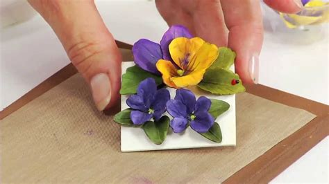 How To Make Paper Violets - how to use sizzix thinlits pansy violet flower die 658419