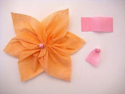 como hacer flores de papel crepe faciles y bonitas youtube c 243 mo hacer flores de papel crepe manualidades