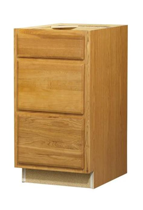 menards value choice cabinets value choice 18 quot huron oak 3 drawer base cabinet at menards 174