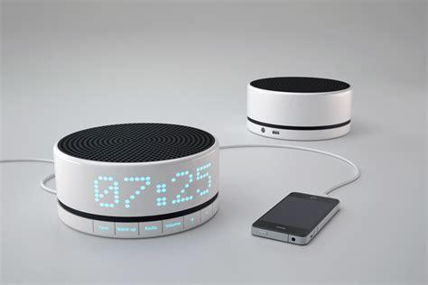 design radiowecker awake designbote
