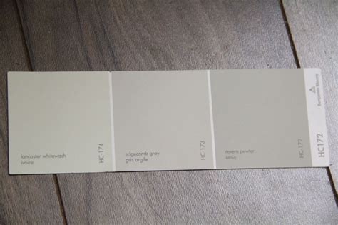 benjamin moore edgecomb gray from left to right