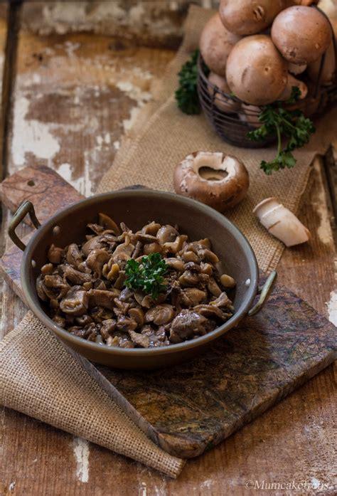 cucinare funghi coltivati funghi trifolati un contorno gustoso di chignon