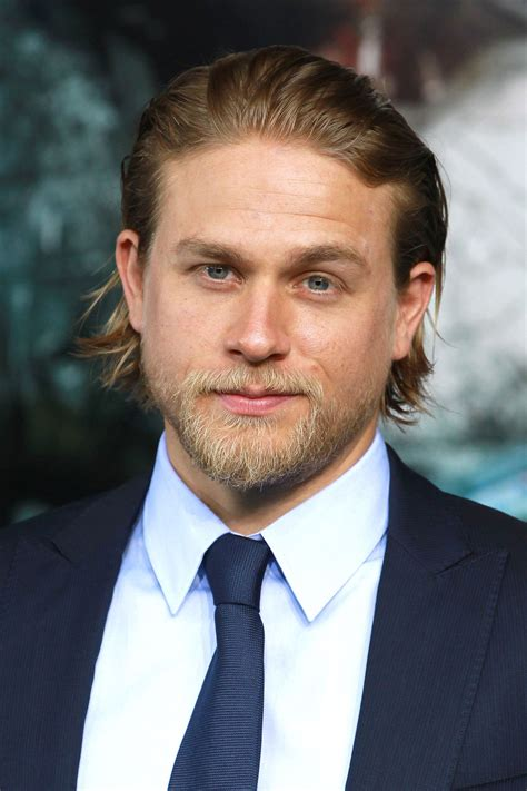 how to get charlie hunnam hair charlie hunnam bun hairstyle with different haircut