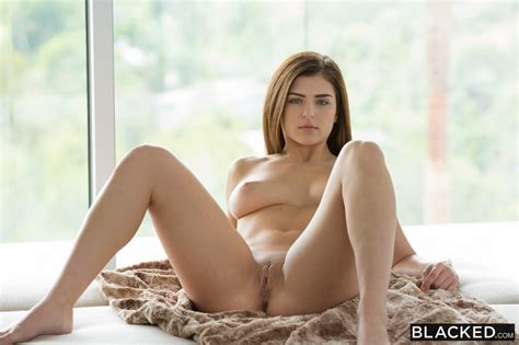 blacked leah gotti fucking a bbc   goldens girls babe blog