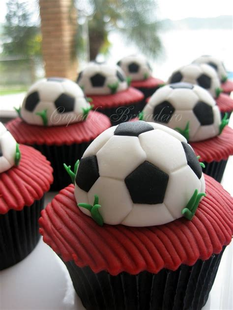 Image Result For Http Cupcakesfrenzy 25 Best Ideas About Football Cupcakes On Pinterest Bowl Wins Football Season And Draft