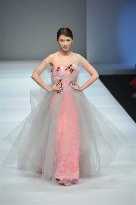 Fashion Week Giambattista Valli Valentino by China Fashion Week Mija Design Entre Valentino Y