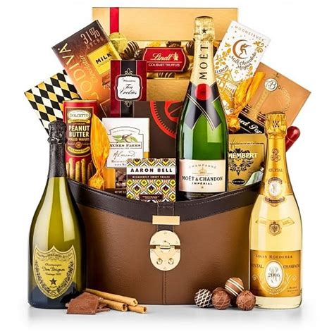Alternative Valentines Gifts moet and chandon imperial champagne basket wine gifts