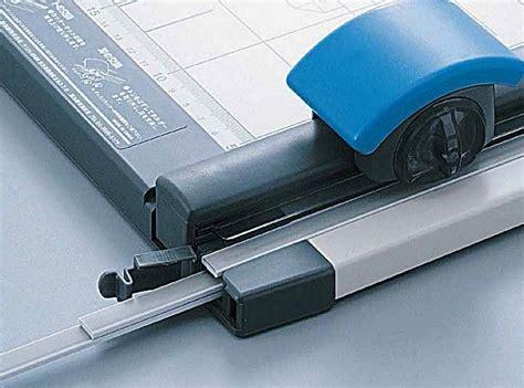 Potong Kertas Trimmer Dc 218 A3 carl paper trimmer dc 218 a3 lix supplies