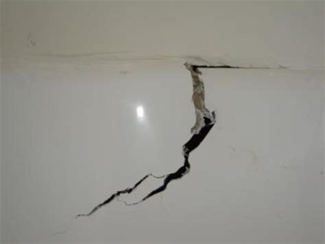 bathtub crack repair acrylic bathtub crack repair 28 images bathtubs winsome cracked bathtub