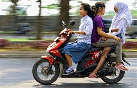 kebiasaan   bisa ditemui  indonesia unik banget