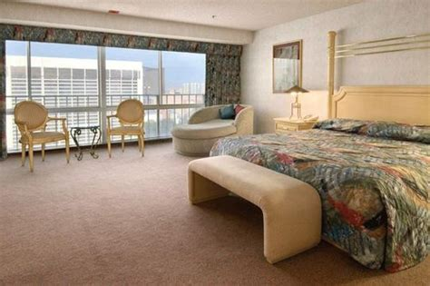 bally s hotel rooms bally s hotel and casino las vegas