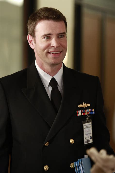 scott foley scandal scott foley talks spying on olivia the most