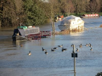 river thames update abingdon blog 187 river thames still rising as night falls