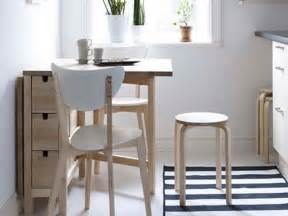 kitchen table ideas for small spaces bloombety small kitchen table sets with plain colour1