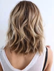 womans haircut back touches top of shoulders front is longer best 20 shoulder length hairstyles ideas on pinterest