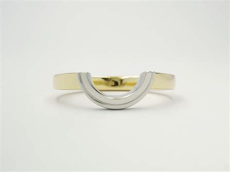 wedding ring that fits around engagement ring wedding