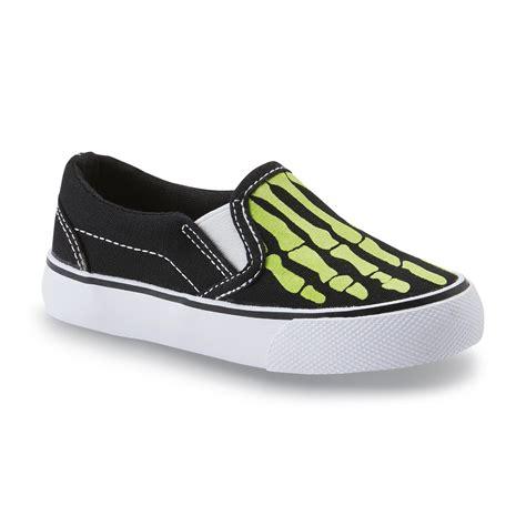 joe boxer shoes joe boxer toddler boy s remix black green skeleton slip