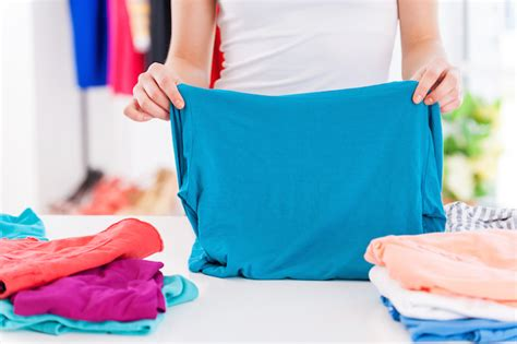 how to fold your laundry in seconds   closets by melissa