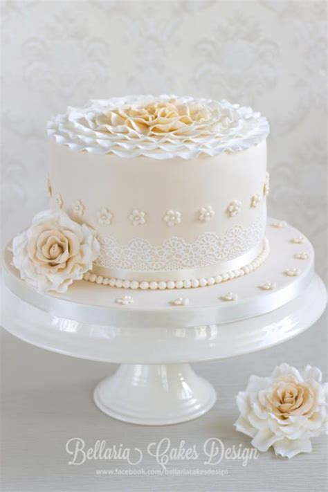 25  best ideas about Anniversary cakes on Pinterest   Cake