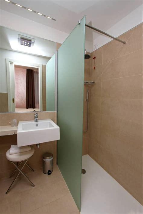 arredare un bagno molto piccolo arredare un bagno piccolo trashic