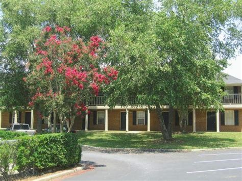 one bedroom apartments in clemson sc riverbank commons rentals clemson sc apartments