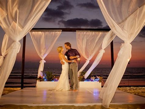 The most popular destination wedding locations under the sun