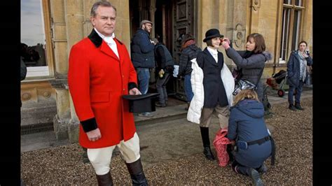 0007523661 behind the scenes at downton downton abbey season 6 episode 1 behind the scenes 1