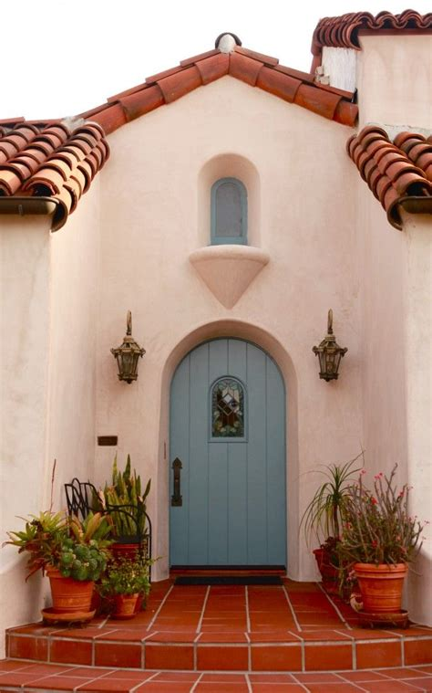 spanish style home decor 25 best ideas about spanish style houses on pinterest