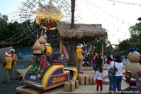Decorations At Disneyland by Decorations At The Disneyland Resort Img 7432