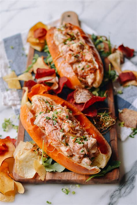 Would You Rather Eat Fresh Or Fried Rolls by Lobster Roll With Crispy And Scallions Aol Lifestyle