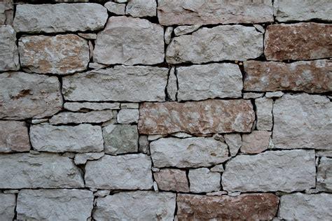 muro di pietra interno foto sassi e massi per muri e spaccati da incollare