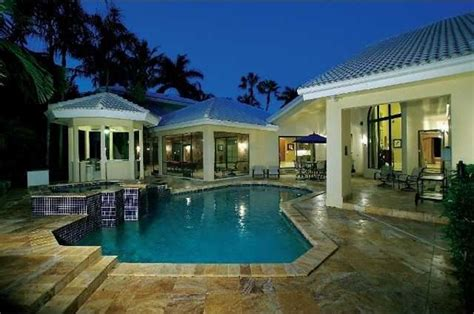 Raised Beach House by Ariana Grande Was Born And Raised In Boca Raton Pop File
