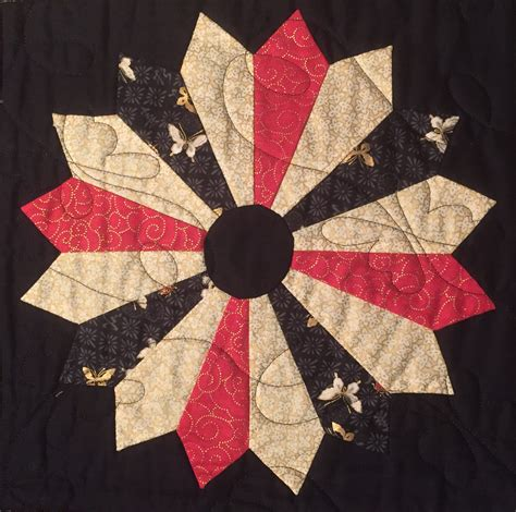 Dresden Patchwork - dresden plate patchwork block is a versatile blockthe