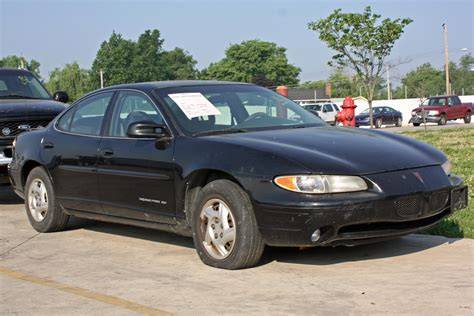 how make cars 2002 pontiac grand am engine control file black pontiac grand prix jpg wikimedia commons