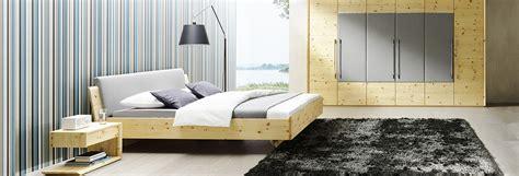 schlafzimmermöbel holz massivholz schlafzimmer schr 228 nke m 252 nchen