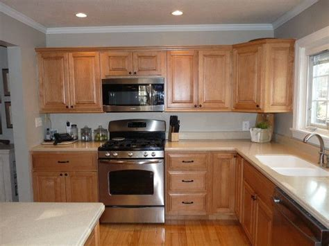 best kitchen colors with maple cabinets exle of honey maple cabinets with benjamin moore revere