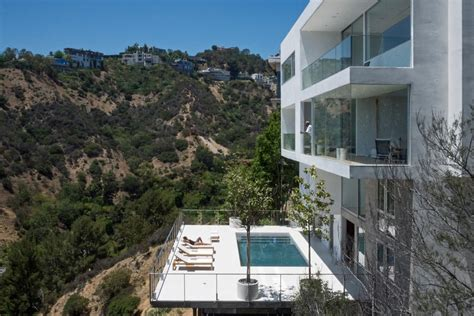 how to buy a house in los angeles gwdesign s luxury hill house in los angeles bonjourlife