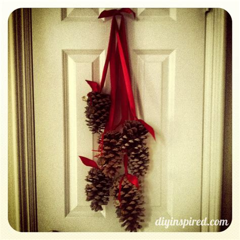 christmas decoration with pine cones ideas christmas
