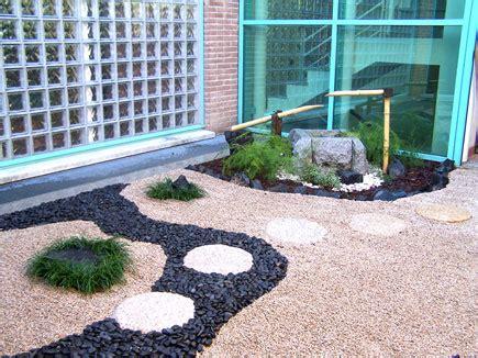 giardini con ghiaia esempi di giardini realizzati da zr giardinaggio