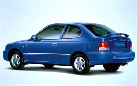 2002 Hyundai Accent Hatchback by 2002 Hyundai Accent Information And Photos Zombiedrive