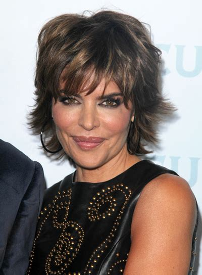 lisa rinna flat irom short brunette hairstyles with bangs beauty riot
