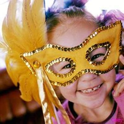 How To Make A Mardi Gras Mask Out Of Paper - mardi gras masks made easy glue gun crafts