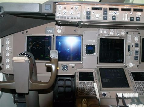 boeing 747 flight deck 57 best images about boeing 747 8 intercontinental
