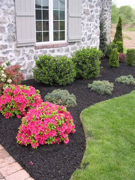 diy black synthetic mulch garden