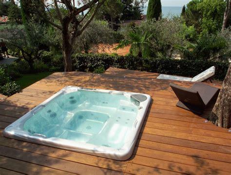 costo vasche idromassaggio quanto costa davvero una vasca idromassaggio piscine
