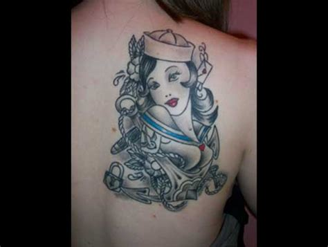 tattoo donna marinaio by revolver tattoo
